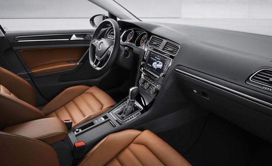 2015 Volkswagen Golf TSI BlueMotion 3-door - Slide 59