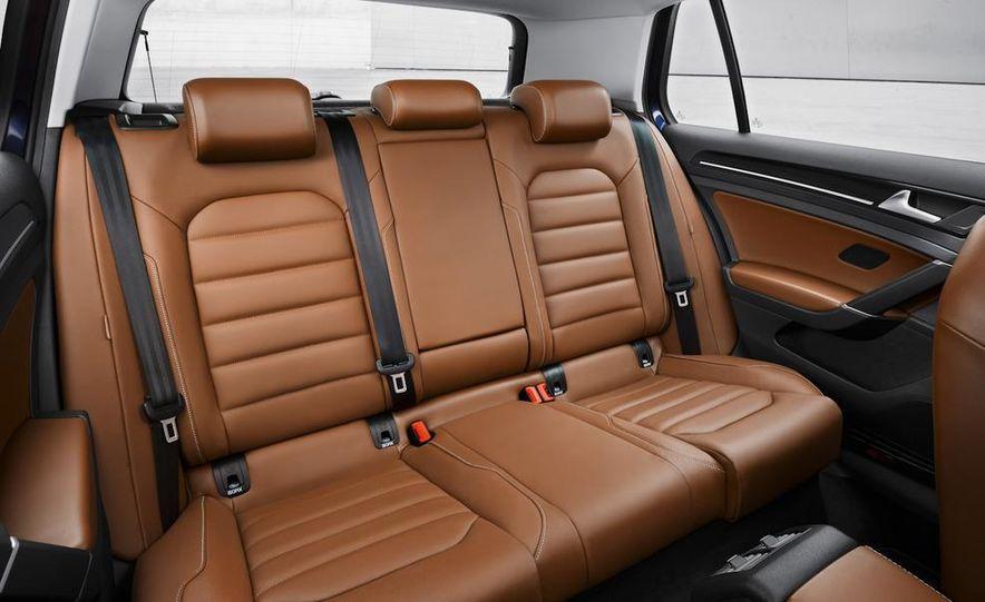 2015 Volkswagen Golf TSI BlueMotion 3-door - Slide 62