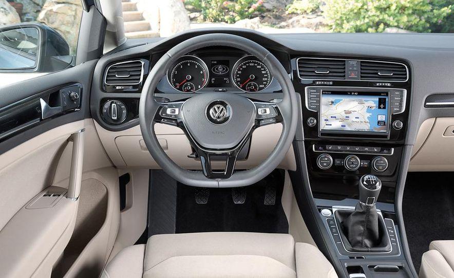 2015 Volkswagen Golf TSI BlueMotion 3-door - Slide 65