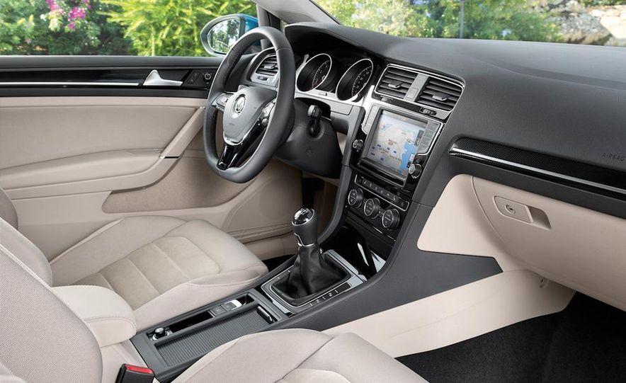 2015 Volkswagen Golf TSI BlueMotion 3-door - Slide 66