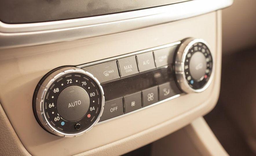 2012 Mercedes-Benz ML550 4MATIC Blue Efficiency - Slide 37