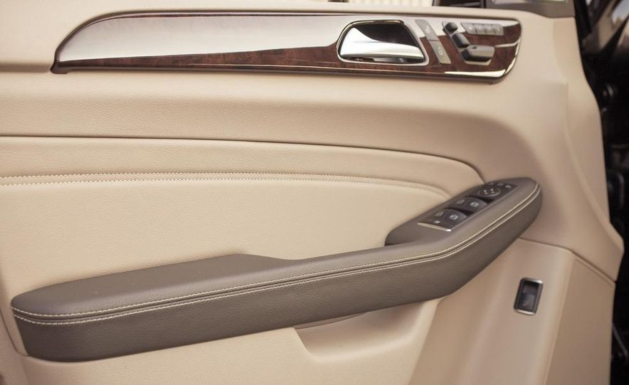 2012 Mercedes-Benz ML550 4MATIC Blue Efficiency - Slide 28