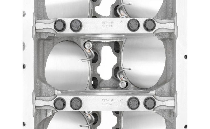 2014 Chevrolet Corvette LT1 6.2-liter V8 VVT DI engine - Slide 31