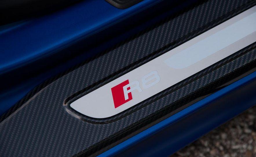 2014 Audi R8 V10, Plus, and Spyder - Slide 23