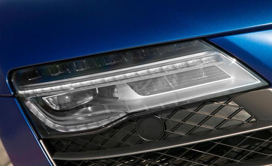 2014 Audi R8 V10, Plus, and Spyder - Slide 17