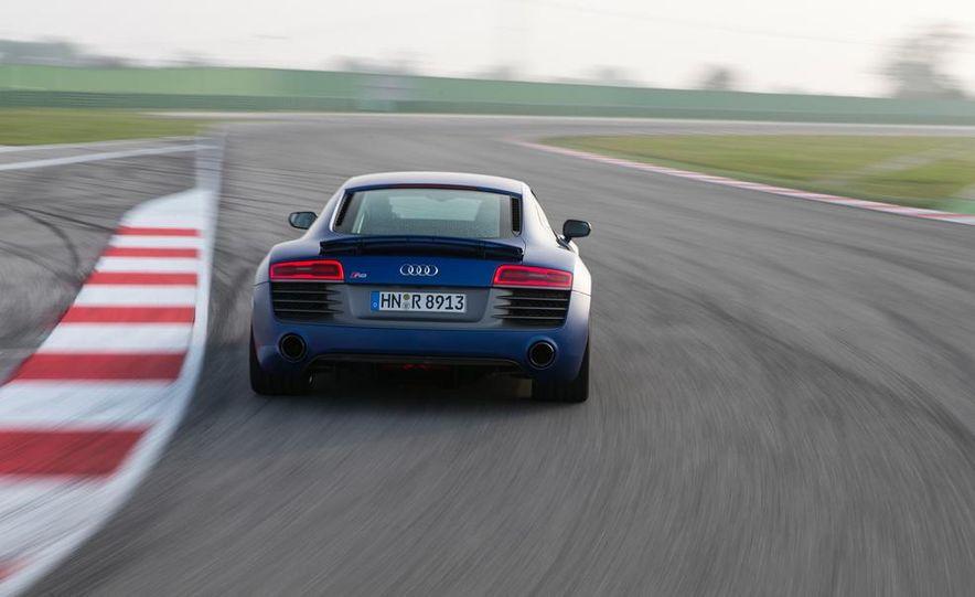 2014 Audi R8 V10, Plus, and Spyder - Slide 15