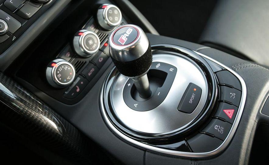 2014 Audi R8 V10, Plus, and Spyder - Slide 22