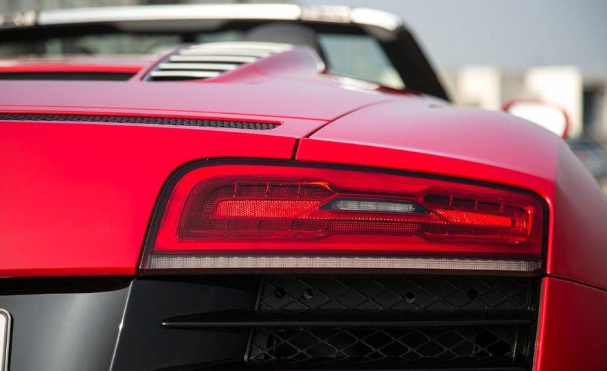 2014 Audi R8 V10, Plus, and Spyder - Slide 31