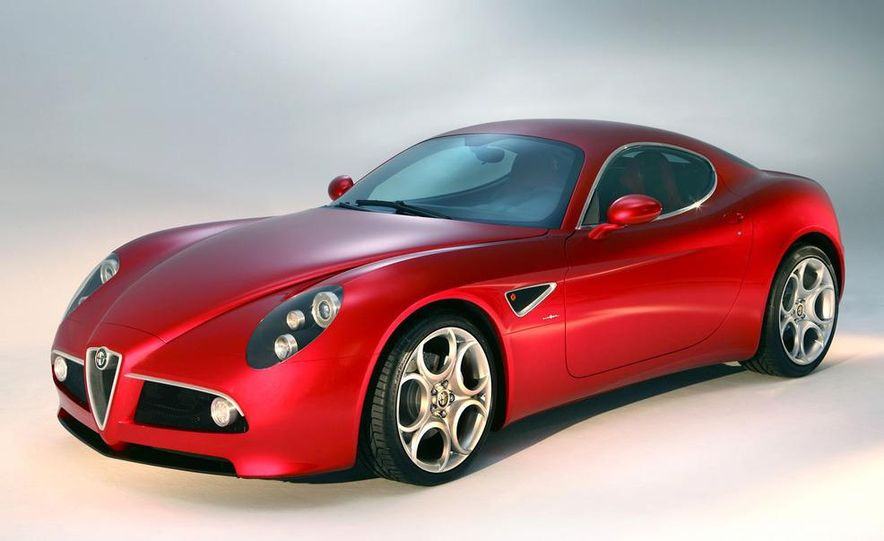 2014 Alfa Romeo 4C (spy photo) - Slide 30