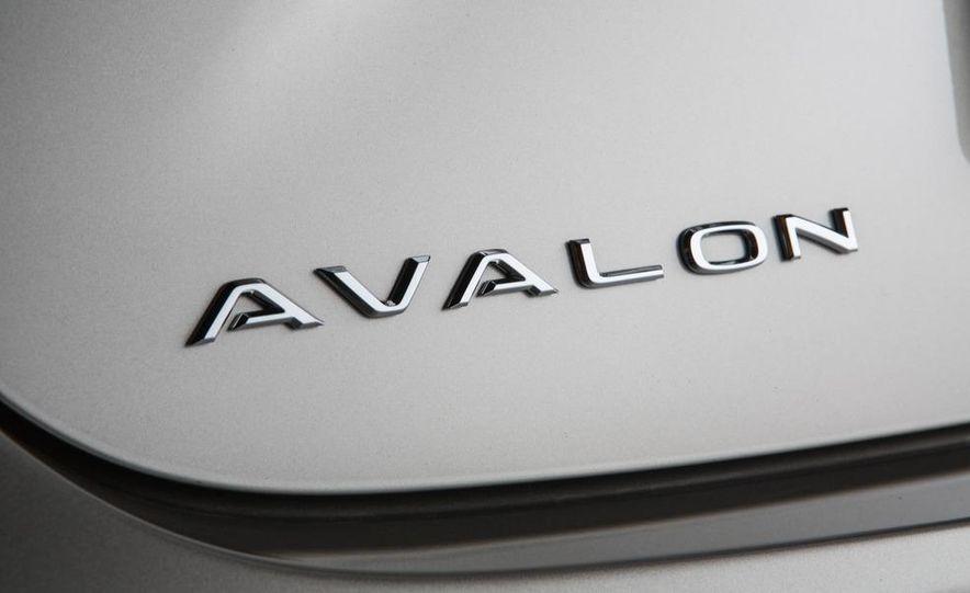 2013 Toyota Avalon Limited - Slide 14