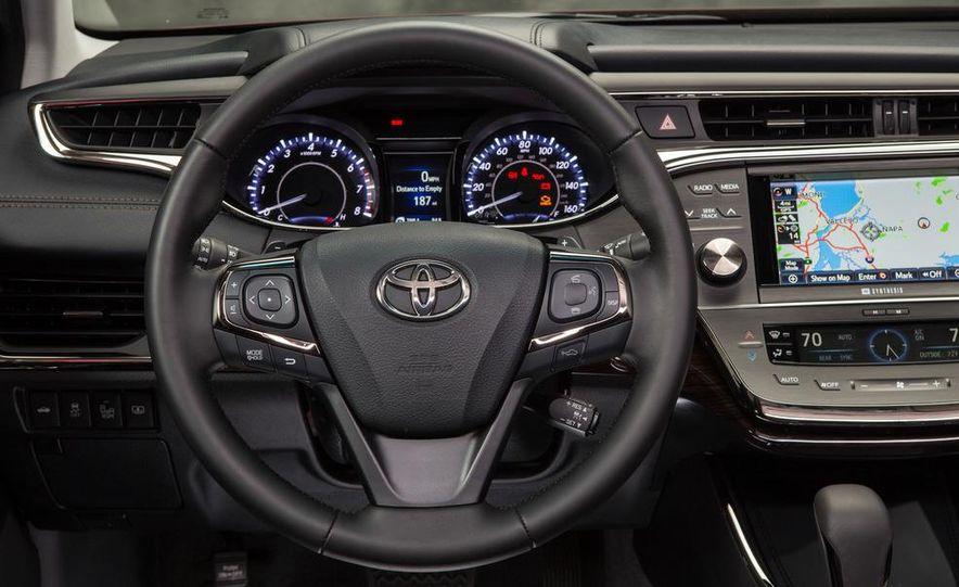 2013 Toyota Avalon Limited - Slide 18