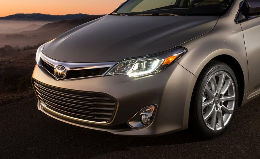 2013 Toyota Avalon Limited - Slide 10