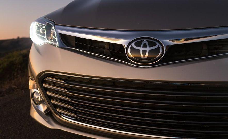 2013 Toyota Avalon Limited - Slide 12