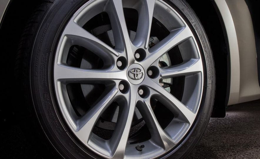 2013 Toyota Avalon Limited - Slide 13