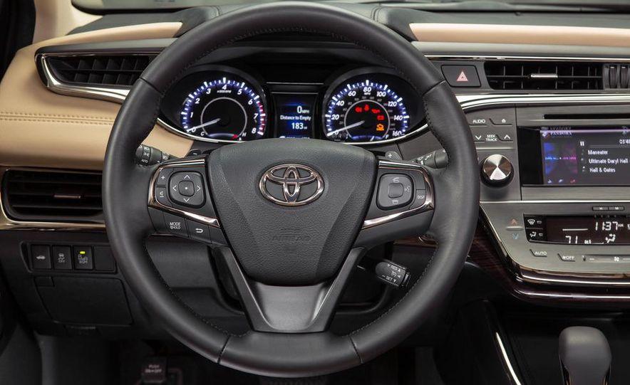 2013 Toyota Avalon Limited - Slide 38