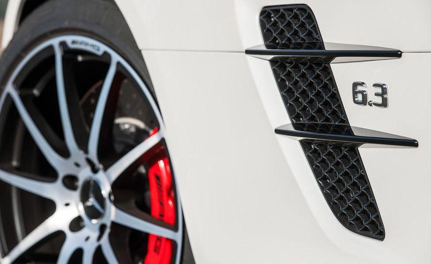 2013 Mercedes-Benz SLS AMG GT coupe - Slide 32