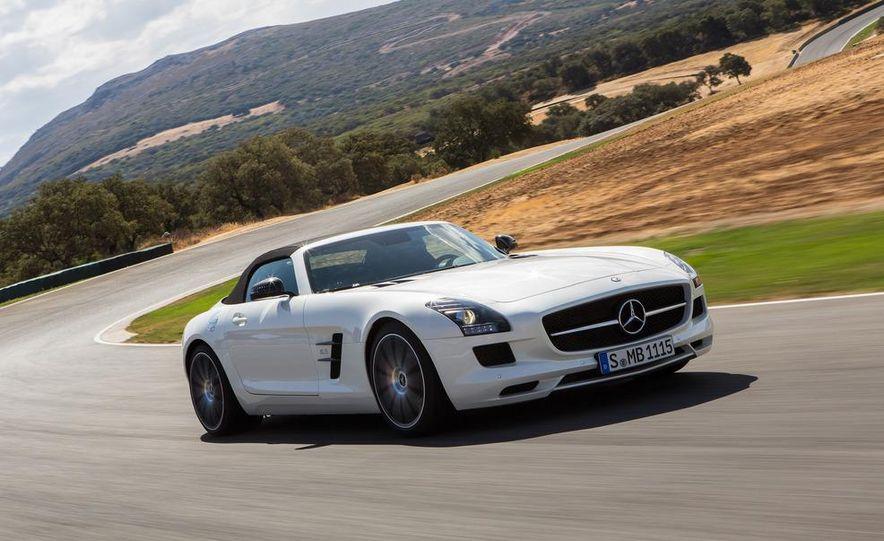 2013 Mercedes-Benz SLS AMG GT coupe - Slide 26