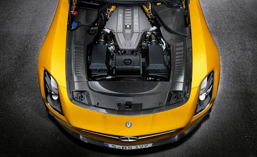 2014 Mercedes-Benz SLS AMG Black Series coupe - Slide 32