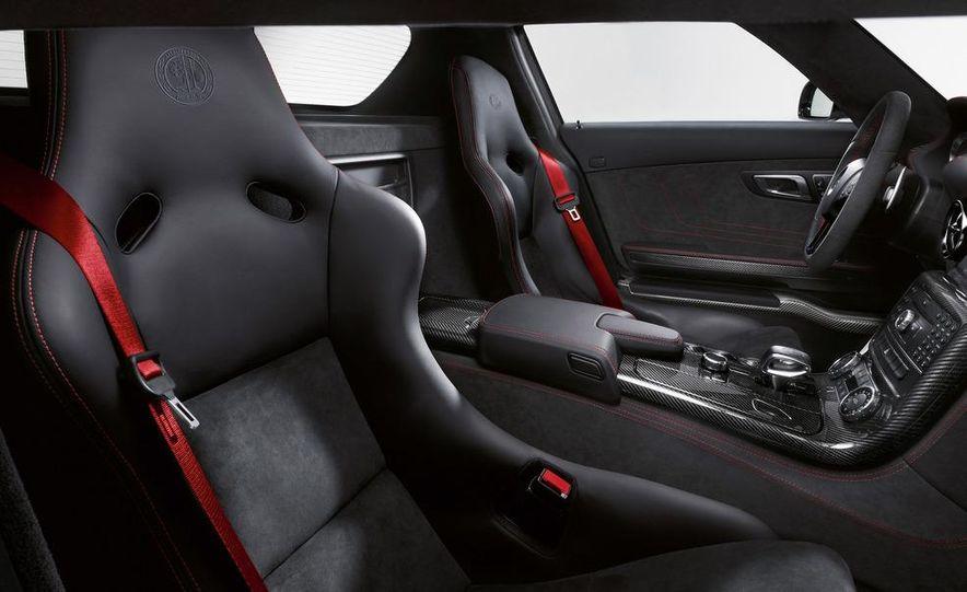 2014 Mercedes-Benz SLS AMG Black Series coupe - Slide 30