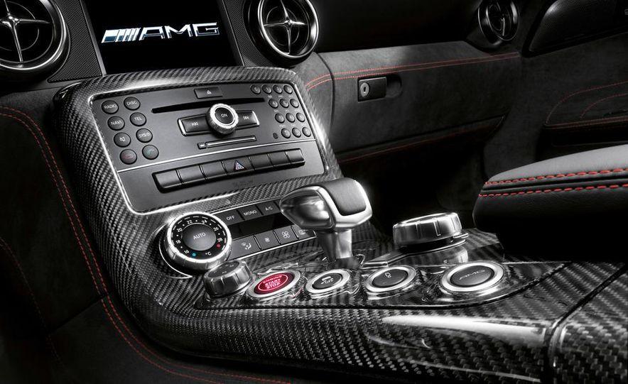 2014 Mercedes-Benz SLS AMG Black Series coupe - Slide 31