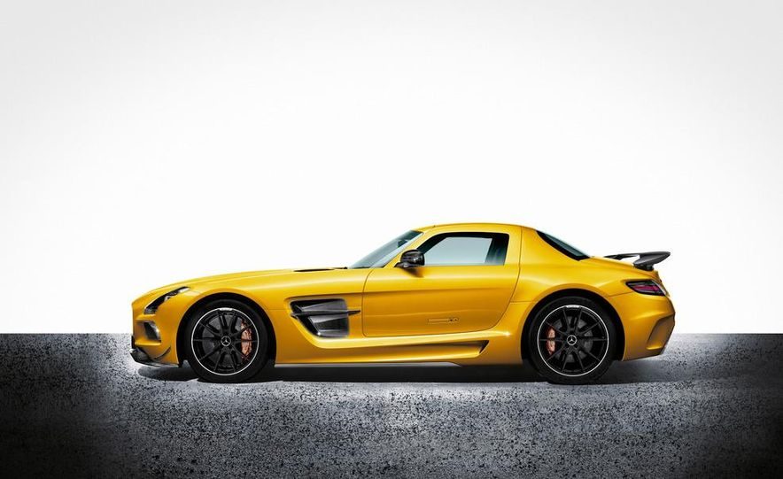 2014 Mercedes-Benz SLS AMG Black Series coupe - Slide 19