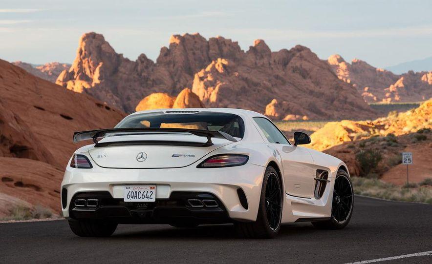 2014 Mercedes-Benz SLS AMG Black Series coupe - Slide 35