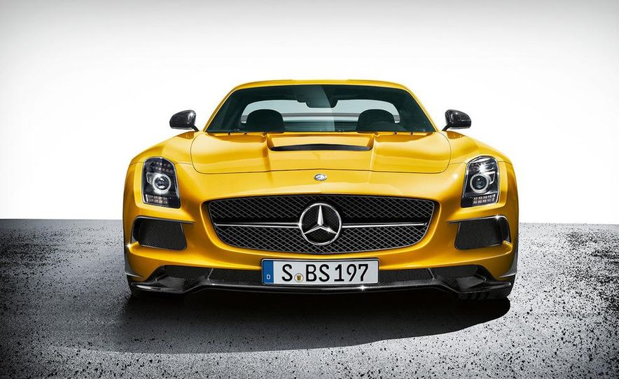 2014 Mercedes-Benz SLS AMG Black Series coupe - Slide 20