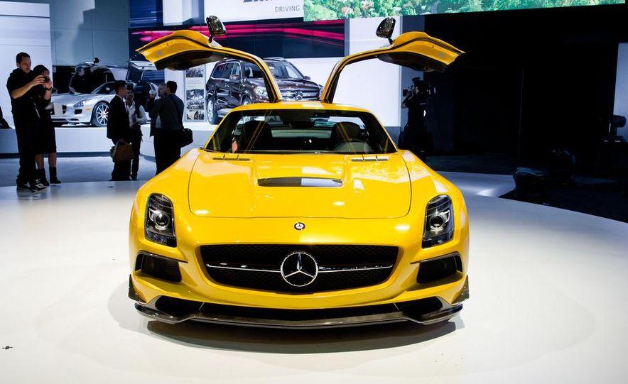 2014 Mercedes-Benz SLS AMG Black Series coupe - Slide 2
