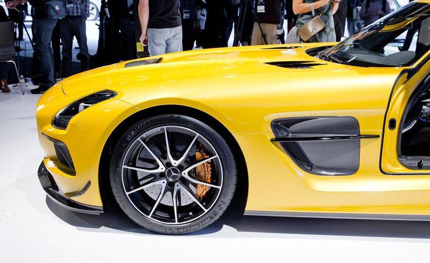 2014 Mercedes-Benz SLS AMG Black Series coupe - Slide 12