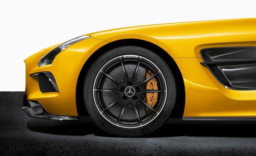 2014 Mercedes-Benz SLS AMG Black Series coupe - Slide 22
