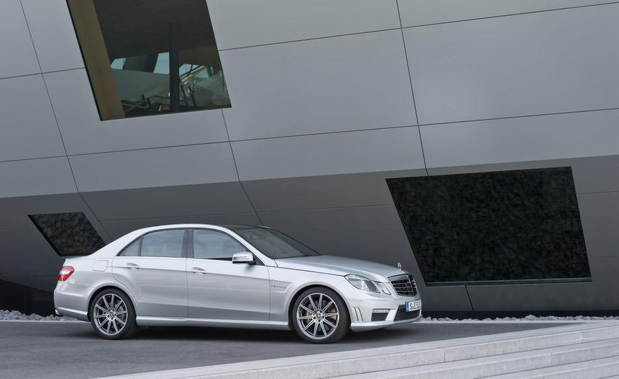 2015 Mercedes-Benz C-class (artist's rendering) - Slide 19