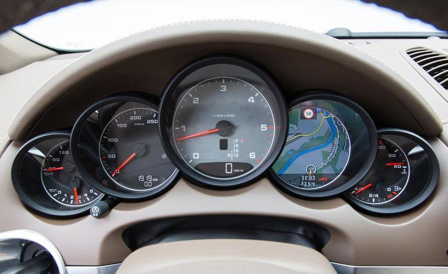 2013 Porsche Cayenne S diesel - Slide 17