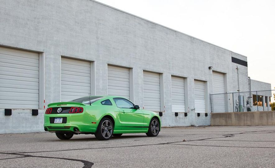 2015 Ford Mustang coupe (spy photo) - Slide 35