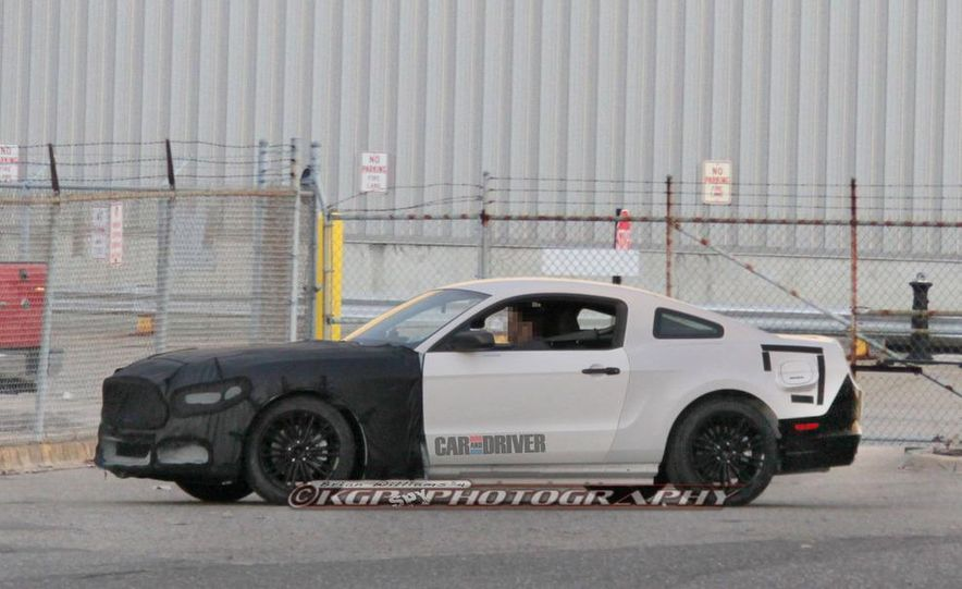 2015 Ford Mustang coupe (spy photo) - Slide 3