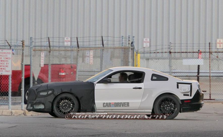 2015 Ford Mustang coupe (spy photo) - Slide 4
