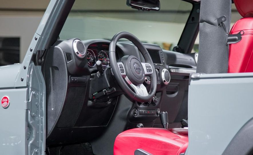 2013 Jeep Wrangler Rubicon 10th Anniversary Edition - Slide 22