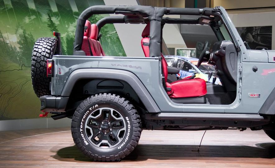 2013 Jeep Wrangler Rubicon 10th Anniversary Edition - Slide 4