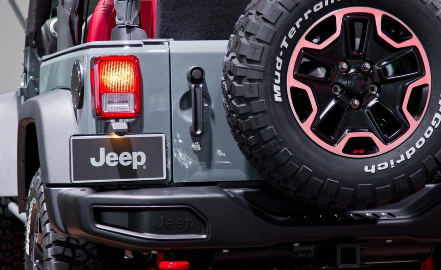 2013 Jeep Wrangler Rubicon 10th Anniversary Edition - Slide 23