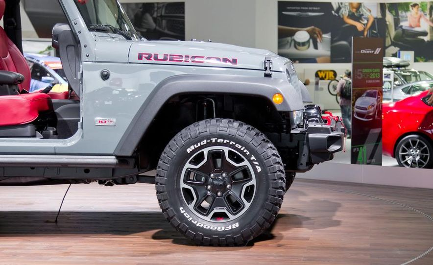 2013 Jeep Wrangler Rubicon 10th Anniversary Edition - Slide 24