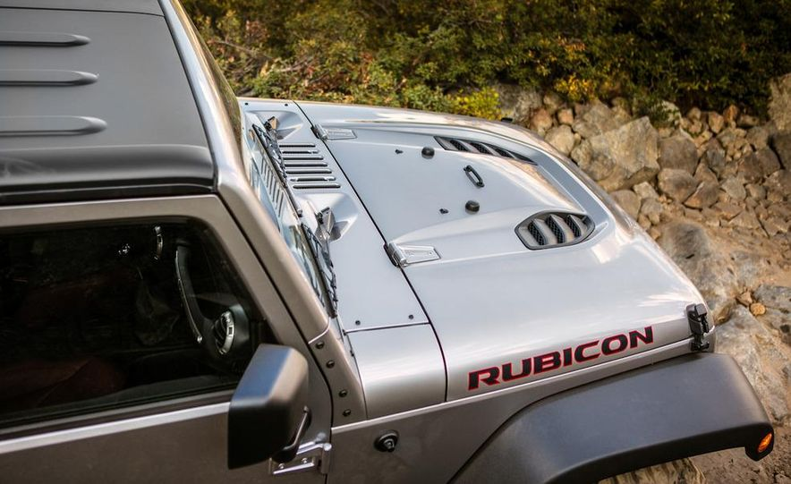 2013 Jeep Wrangler Rubicon 10th Anniversary Edition - Slide 38