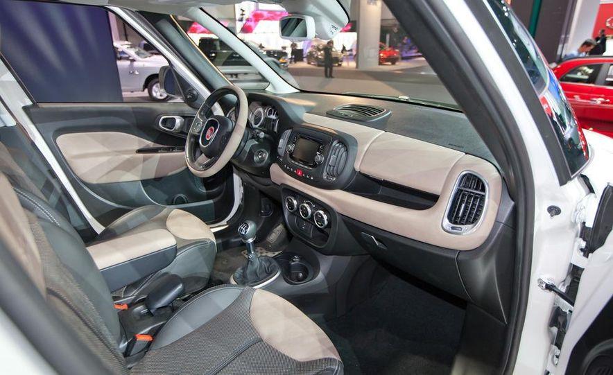 2014 Fiat 500L Trekking - Slide 19