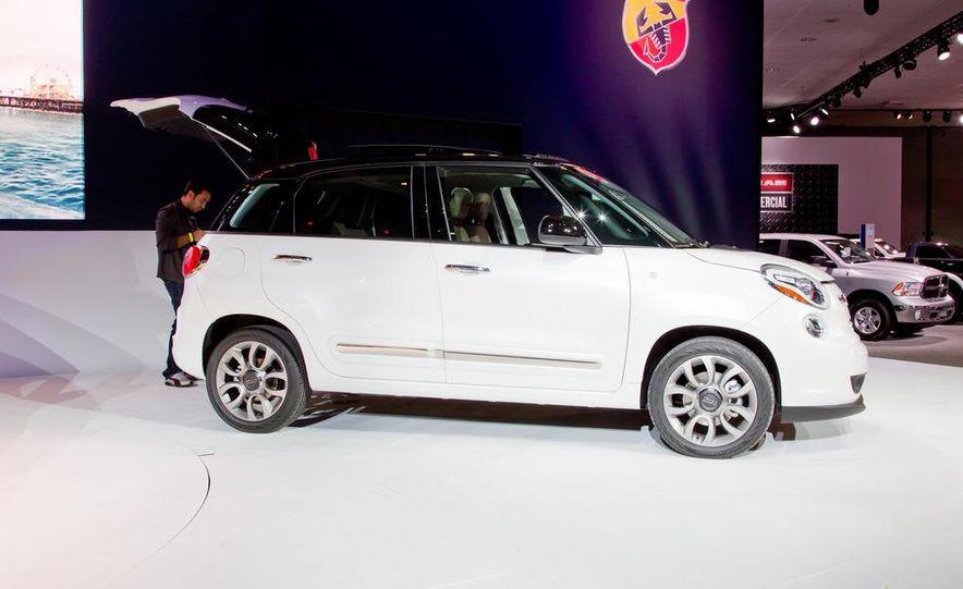 2014 Fiat 500L Trekking - Slide 12