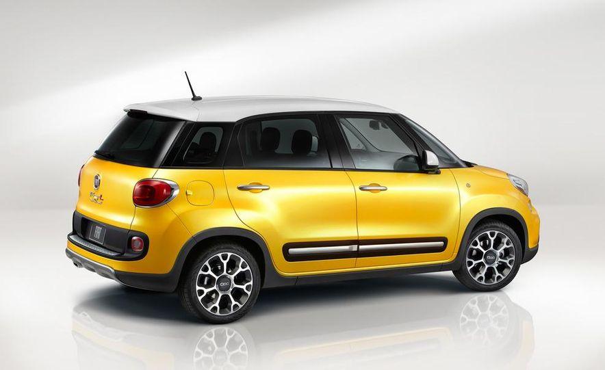 2014 Fiat 500L Trekking - Slide 29
