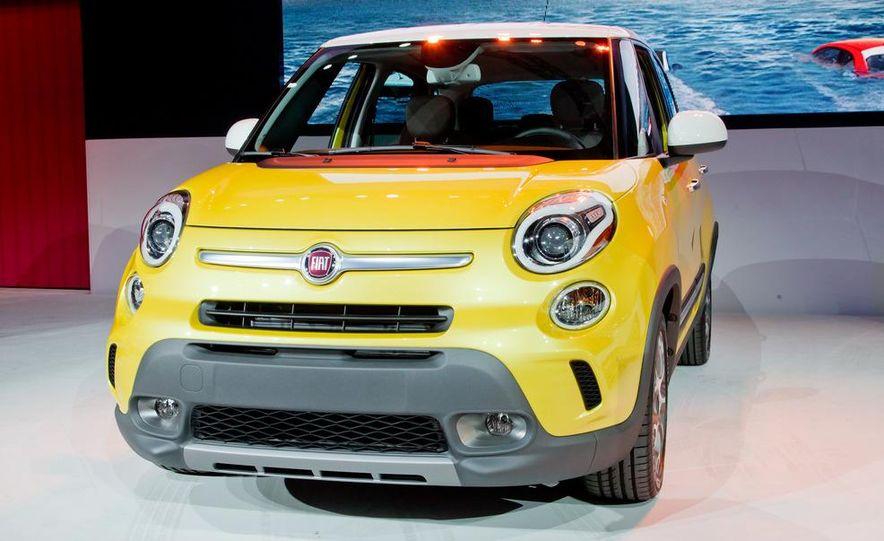 2014 Fiat 500L Trekking - Slide 1