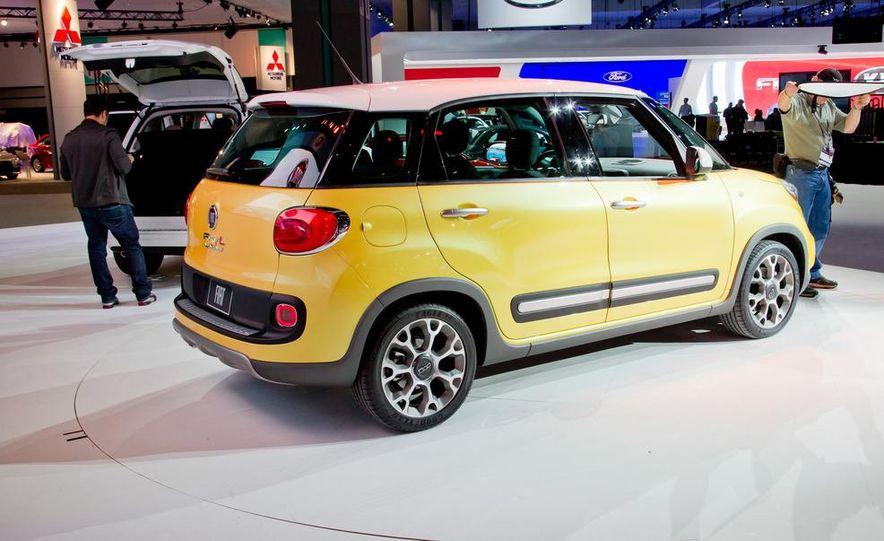 2014 Fiat 500L Trekking - Slide 7