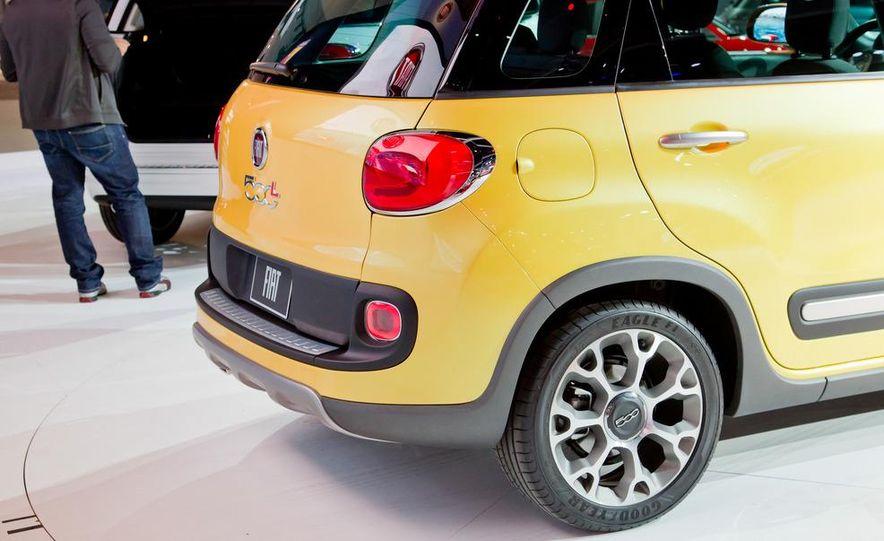 2014 Fiat 500L Trekking - Slide 9