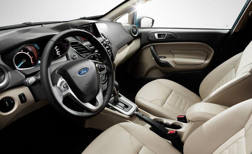 2014 Ford Fiesta SE hatchback - Slide 33