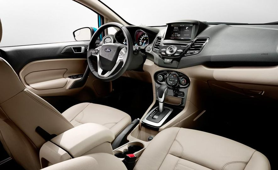 2014 Ford Fiesta SE hatchback - Slide 34