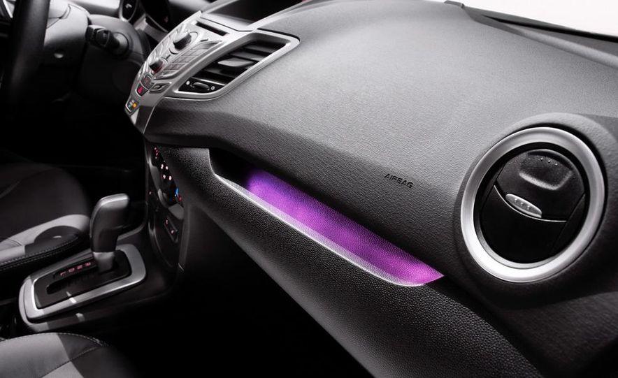 2014 Ford Fiesta SE hatchback - Slide 53
