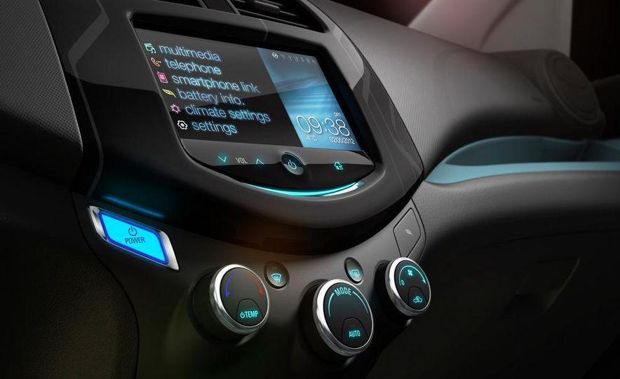 2014 Chevrolet Spark EV - Slide 34